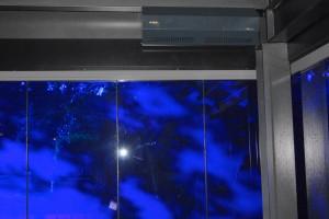 Duftdispensor an der Decke des verglasten Römischen Bades